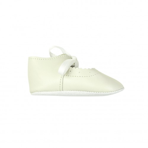 Cream Leather Shoes with Ribbon